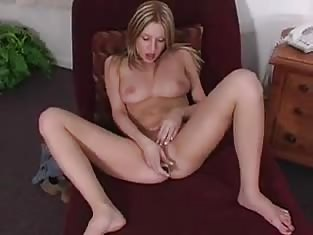 Teen Spreads Her Legs in a Chair
