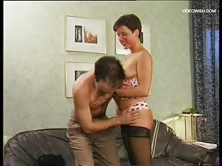 Short-Haired Babe Gives This Man the Fuck of His Life