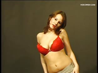 Redhead Strips Down For the Camera