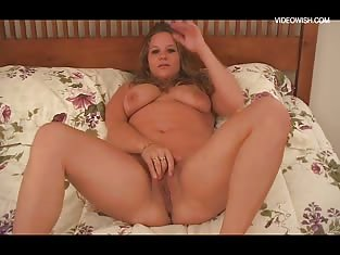 Chubby Cowgirl Fucks Herself With a Vibrator