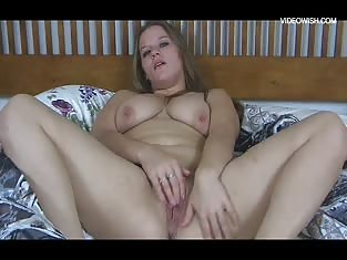 Chubby Girl Gets Horny While She Lays in Her Bed