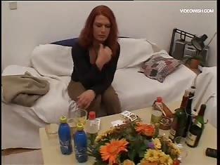 Redhead works her gash