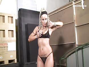 Mature Lesbian Enjoys Hot Brunette